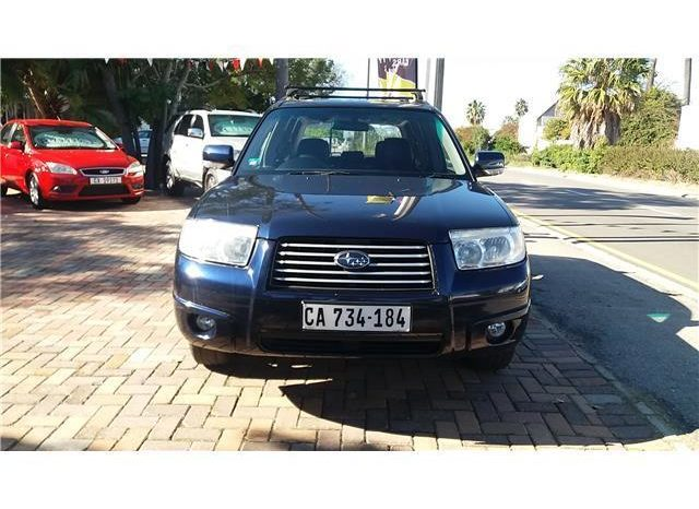 Subaru Forester 2.5 XS full
